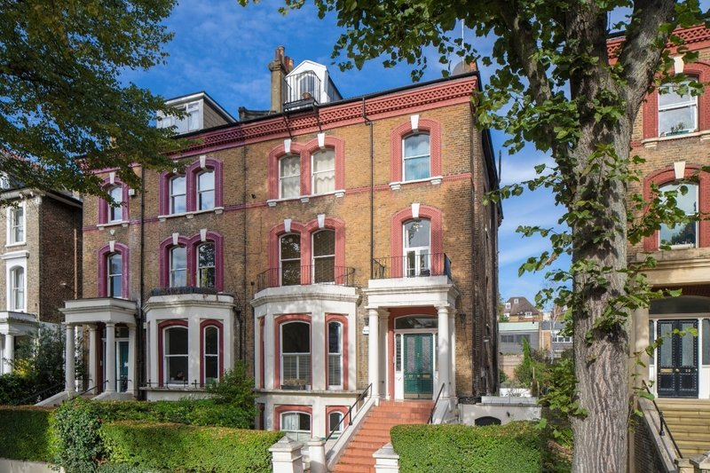 4 Bedroom Flat for sale in Belsize Park, London,  NW3 4BL