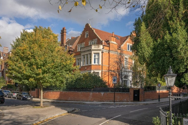 8 Bedroom House for sale in Hampstead, London,  NW3 6UX