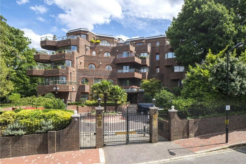 4 Bedroom Flat for sale in Templewood Avenue, London,  NW3 7XD