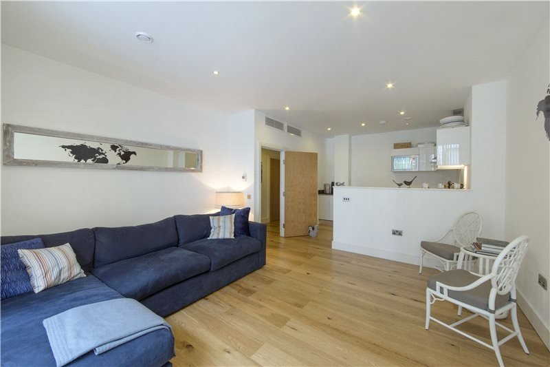 2 Bedroom Flat for sale in Winchester Road, London,  NW3 3NT