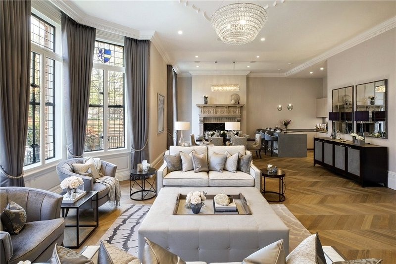 3 Bedroom Flat for sale in 14 Netherhall Gardens, London,  NW3 5TQ