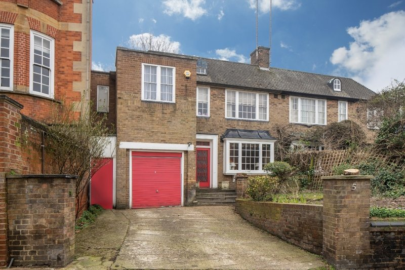 3 Bedroom House for sale in Hampstead, London,  NW3 1SJ