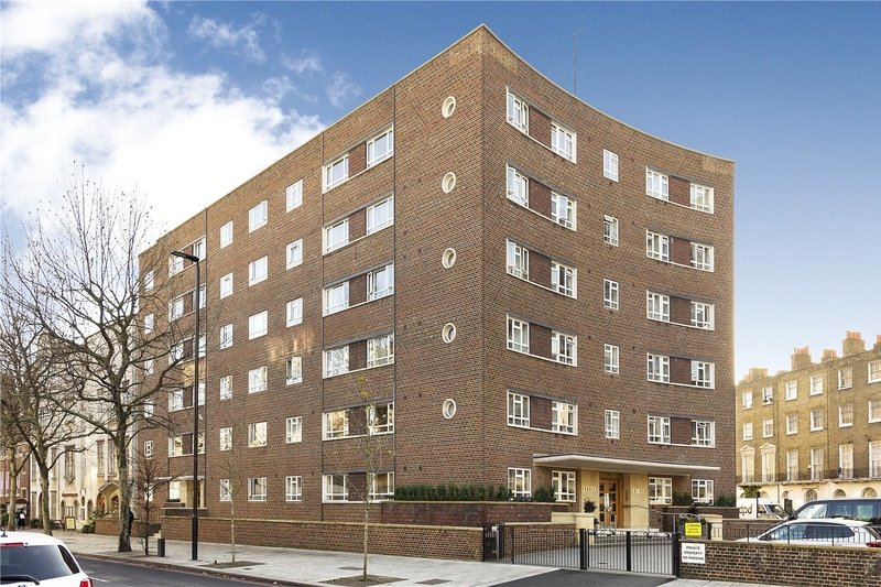 2 Bedroom Flat for sale in Park Road, London,  NW1 6DN