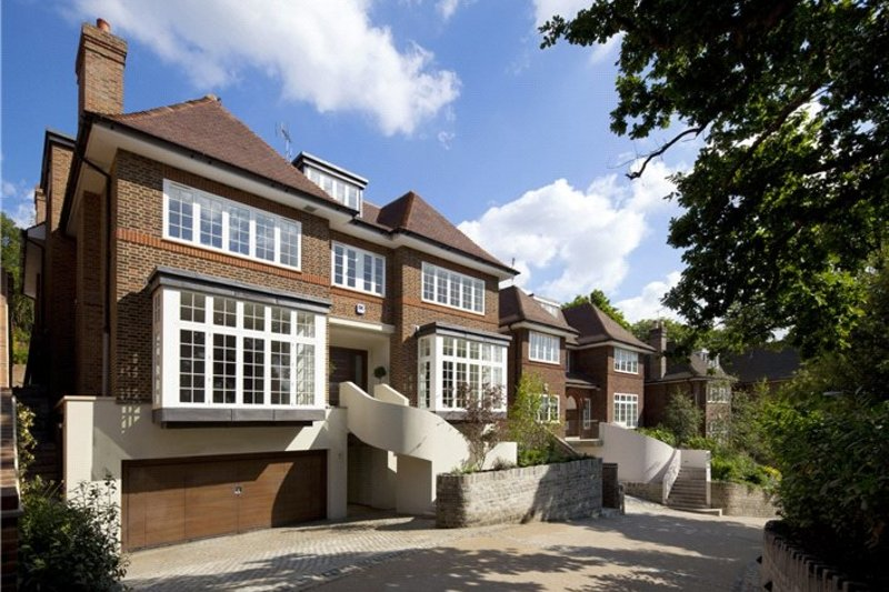 7 Bedroom House for sale in Platts Lane, London,  NW3 7NU