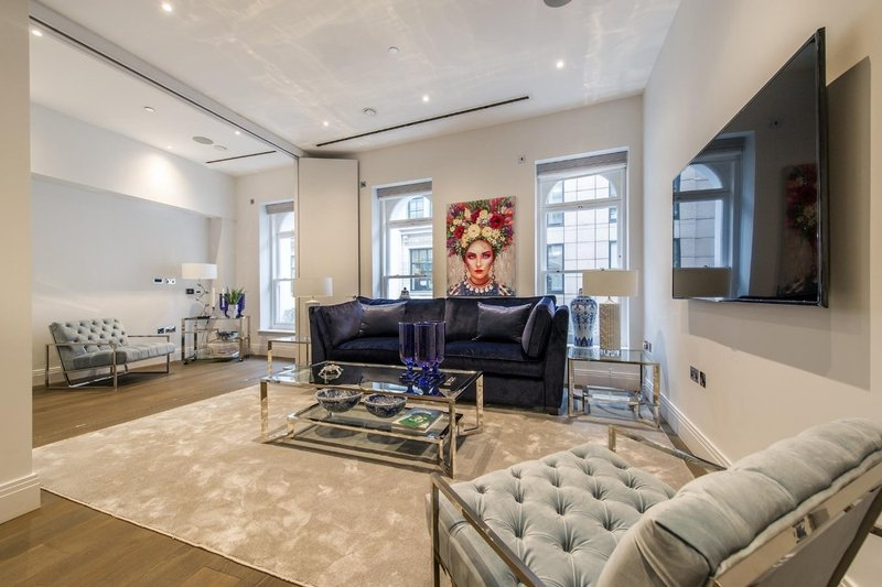 3 Bedroom Flat to rent in London, London,  WC2A 1PU