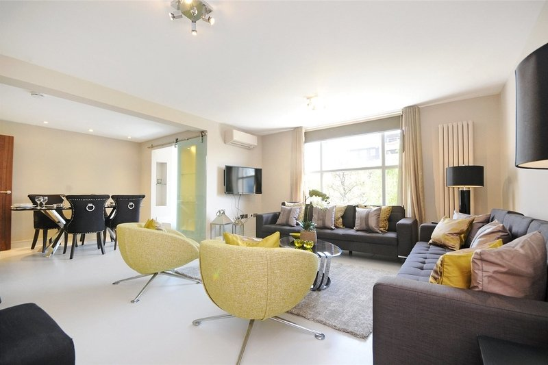 3 Bedroom Flat to rent in St. Johns Wood Park, London,  NW8 6NG