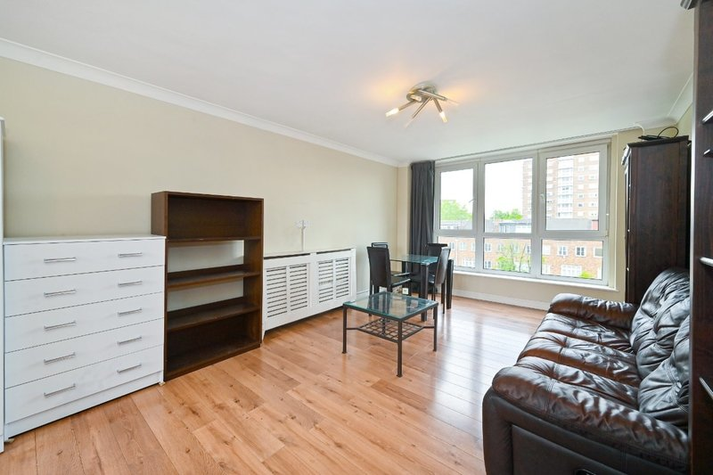 3 Bedroom Flat to rent in St. Johns Wood Park, London,  NW8 6NJ