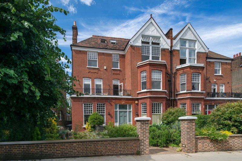7 Bedroom House to rent in South Hampstead, London,  NW6 3RY