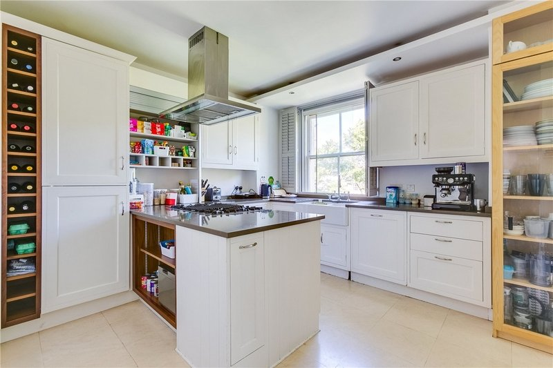 3 Bedroom Flat to rent in Clifton Gardens, London,  W9 1AL