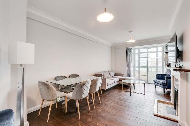 3 Bedroom Flat to rent in Gloucester Place, London,  NW1 5AF