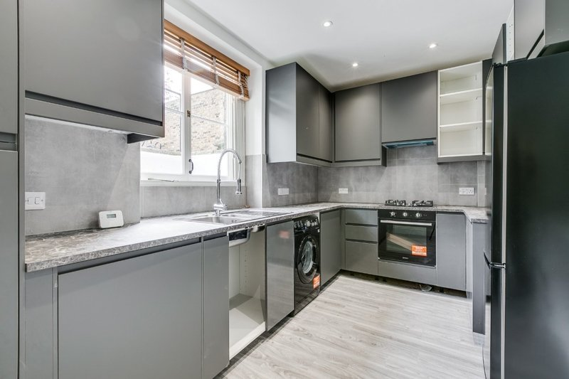 3 Bedroom Flat to rent in London, London,  NW8 9UP