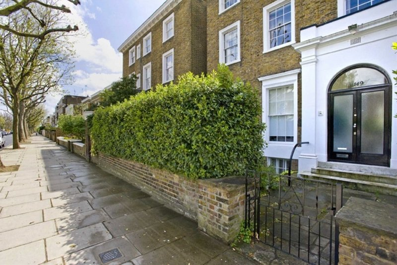 3 Bedroom Flat to rent in St John's Wood, London,  NW8 9QS