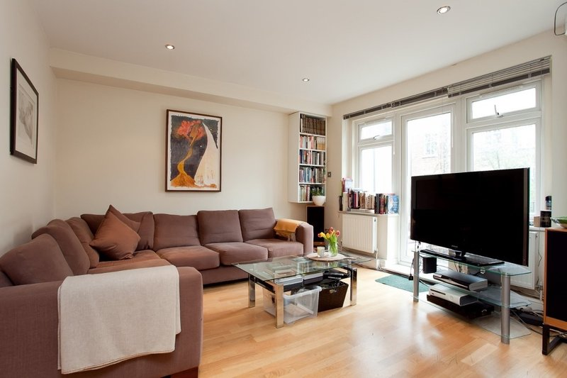 2 Bedroom Flat to rent in London, London,  NW3 4LU