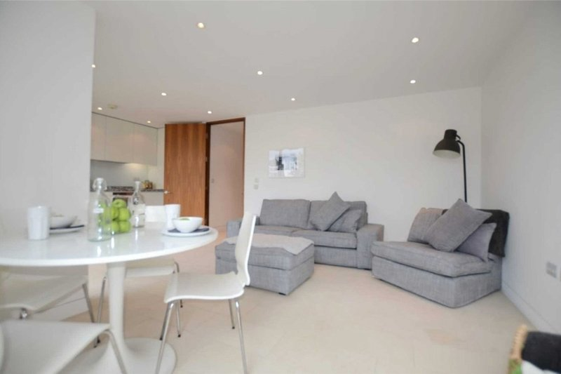 2 Bedroom Flat to rent in Oval Road, London,  NW1 7EU