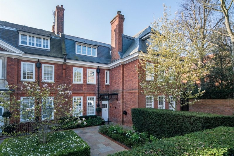 7 Bedroom House to rent in Hampstead, London,  NW3 5NX