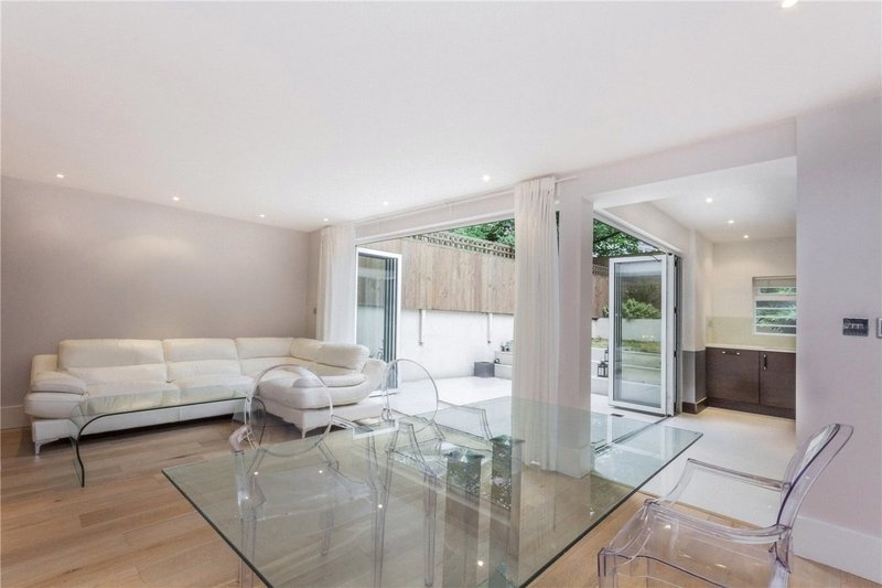 2 Bedroom Flat to rent in Primrose Hill, London,  NW8 7LR
