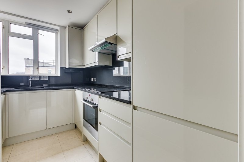 2 Bedroom Flat to rent in Park Road, London,  NW1 6DN