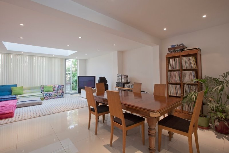 5 Bedroom House to rent in London, London,  NW8 6QE